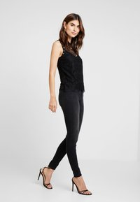 Guess - DOLLY - Top - jet black - 1