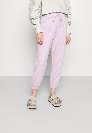 DRAWSTRING WITH FRONT PLEAT - Teplákové kalhoty - lavender