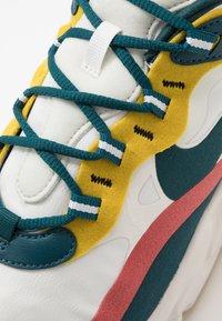 Nike Sportswear - AIR MAX 270 REACT - Tenisky - summit white/midnight turqoise/pueblo red/saffron quartz/white/black - 5