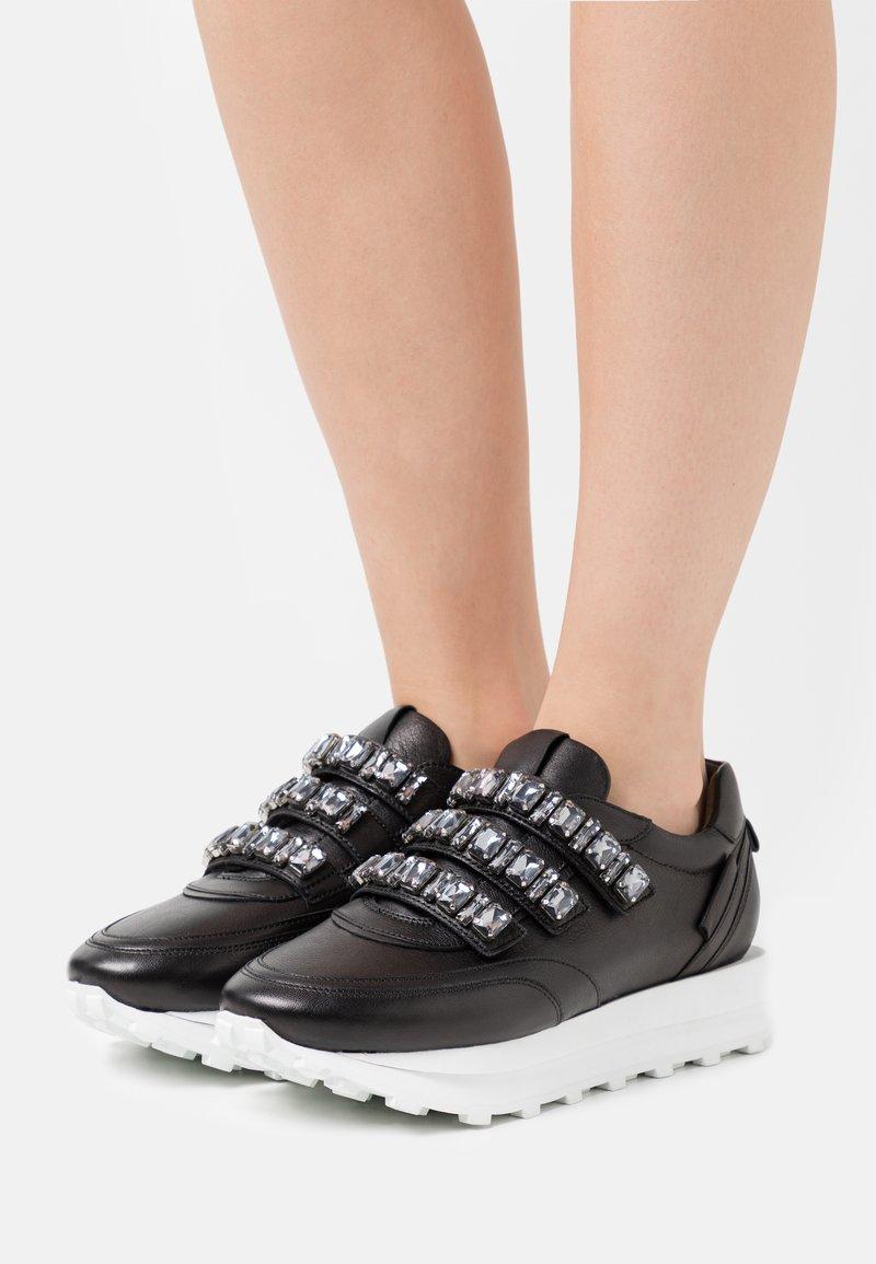 Kennel + Schmenger - HERO - Sneakers laag - schwarz/smoke