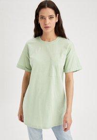 DeFacto - Camiseta básica - mint - 0