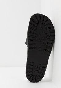 Versace Jeans Couture - Klapki - black - 4