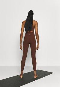 Nike Performance - LUXE EYLET 7/8 - Legging - bronze eclipse/smokey mauve - 2
