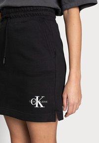 Calvin Klein Jeans - MONOGRAM HEAVYWEIGHT SKIRT - Mini skirt - black - 4