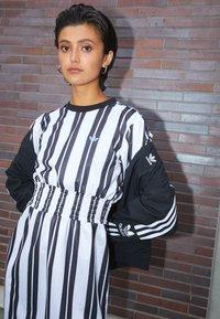 adidas Originals - DRESS - Vestido informal - white - 2