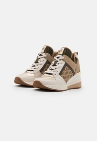 MICHAEL Michael Kors - GEORGIE TRAINER - Baskets basses - pale gold - 2