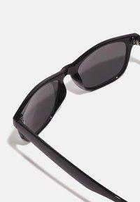 Selected Homme - SLHBOB SUNGLASSES - Sunglasses - black - 2