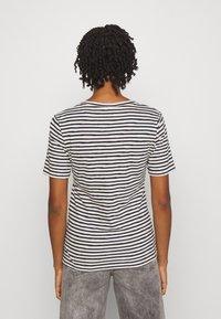 Scotch & Soda - T-shirt print - ecru/night - 2