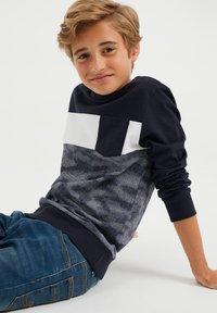 WE Fashion - MET DESSIN - Long sleeved top - dark blue - 2