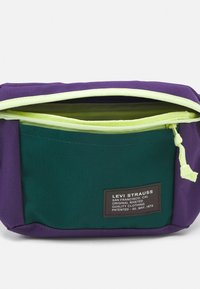 Levi's® - LARGE BANANA SLING UNISEX - Bum bag - regular purple - 2