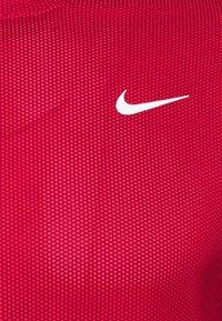 Nike Golf - DRY MOCK - Camiseta de deporte - team red/gym red/white - 2
