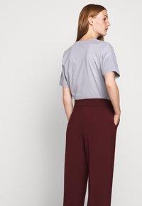 BLANCHE - JELINE PANTS - Pantalon classique - cocoa - 4