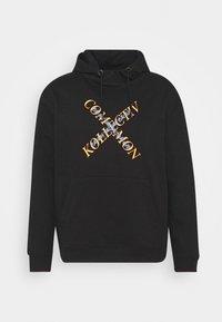 Common Kollectiv - SLASH HOOD UNISEX - Sweatshirt - washed black - 4