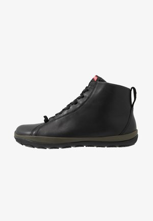 PEU PISTA - Zapatillas altas - black
