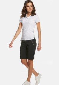 Jeff Green - MINA - Outdoor shorts - black - 3