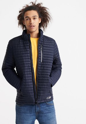 SUPERDRY MICRO QUILT PACKAWAY FUJI JACKET - Light jacket - french navy