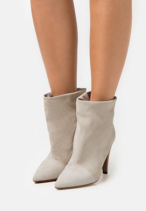 NILS - High heeled ankle boots - offwhite