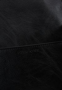 Pier One - UNISEX - Weekend bag - black - 8