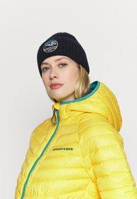 Superdry - ALPINE PADDED MID LAYER - Skijakker - blazing yellow - 3