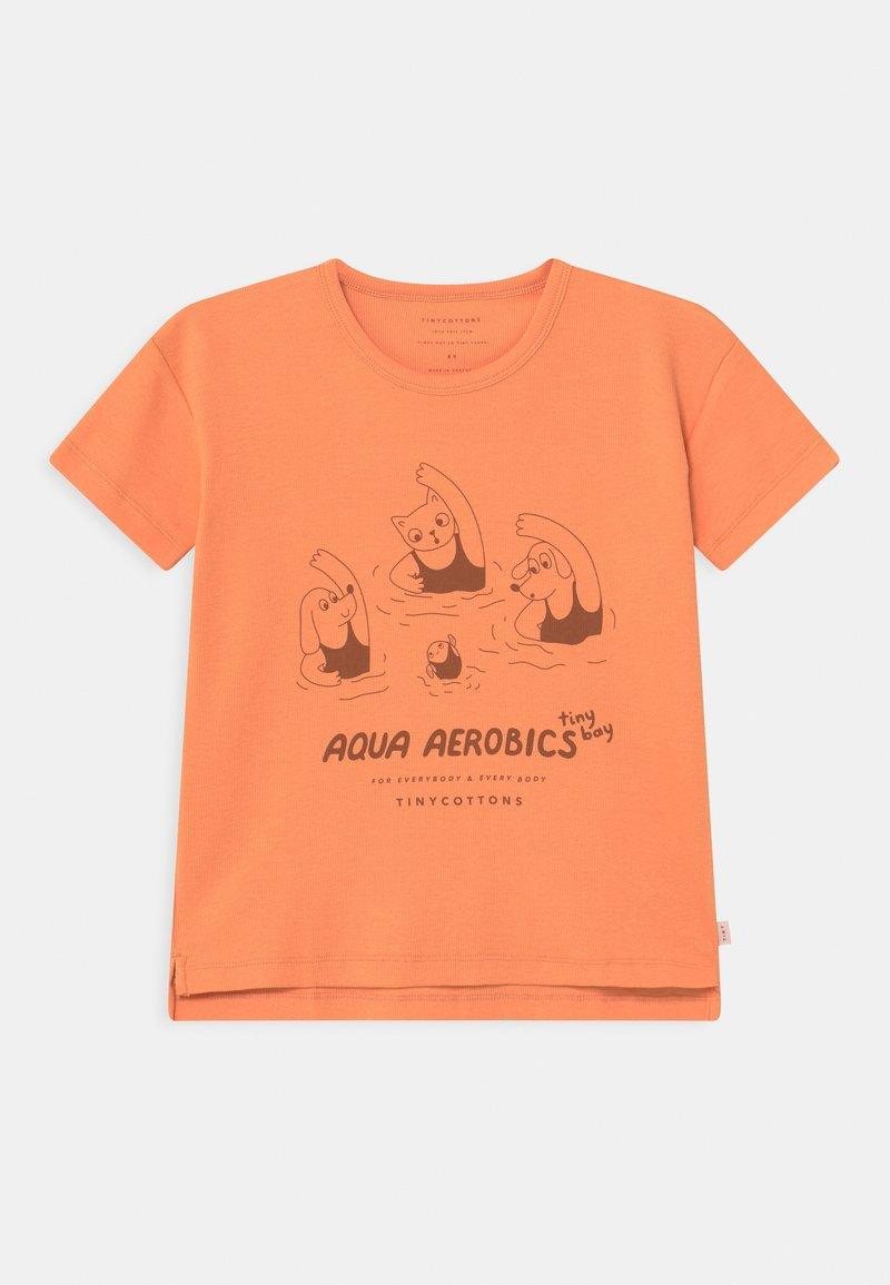 TINYCOTTONS - AQUA AEROBICS UNISEX - Print T-shirt - coral