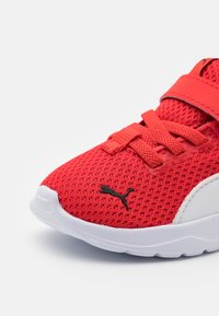 Puma - ANZARUN LITE UNISEX - Neutral running shoes - poppy red/white - 5