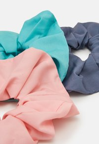 Weekday - SCRUNCHIE 3 PACK - Hair styling accessory - green/grey/pink - 2
