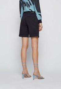 BOSS - TAGGIE - Shorts - open blue - 2