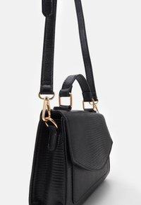 Pieces - PCGAIGA MINI CROSS BODY - Handbag - black - 3