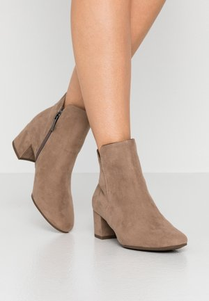 WOMS - Ankle boots - antelope