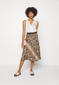 Opus - RAJA  - Pencil skirt - creamy camel - 1