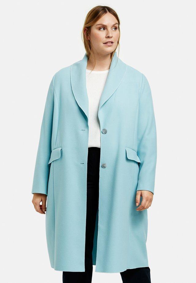 Mantel - cameo blue