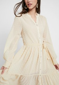 Miss Selfridge - TIERED DOBBY DRESS - Abito a camicia - nude - 6