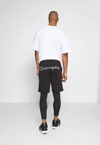 Champion - LOGO BERMUDA - Pantaloncini sportivi - black - 2