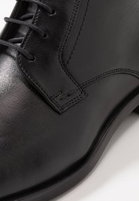 Lloyd - LISSABON - Šněrovací kotníkové boty - schwarz - 5