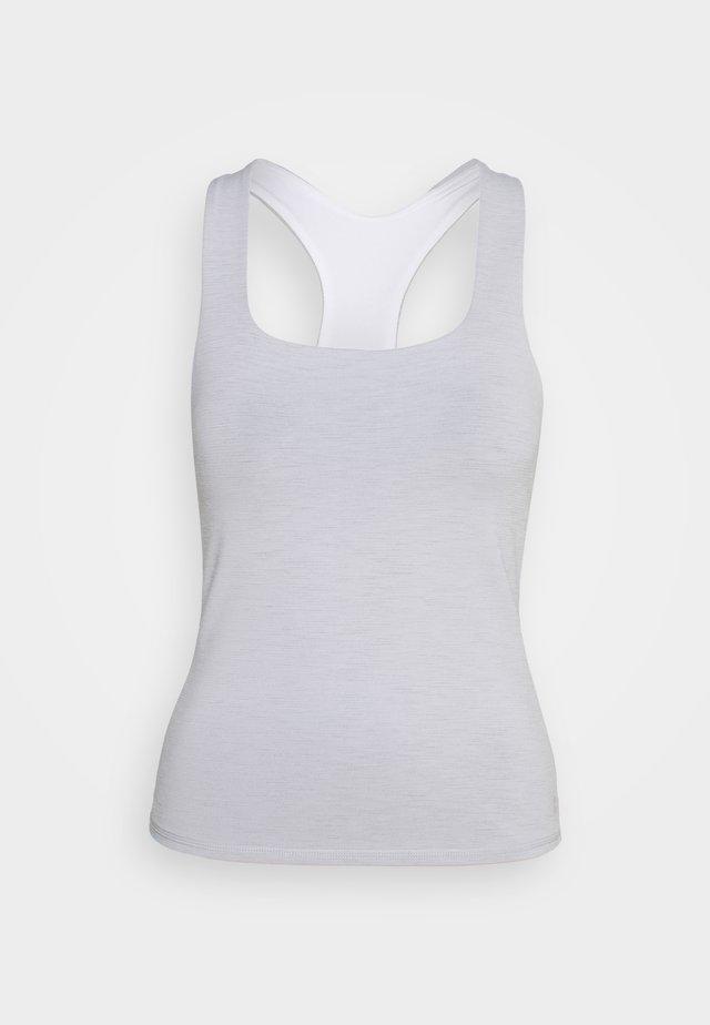 SUPER SCULPT YOGA  - T-shirt sportiva - white
