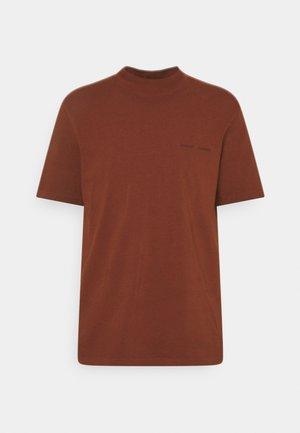 NORSBRO - Basic T-shirt - cherry mahogany