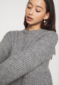 Even&Odd - CROPPED WOOL BLEND JUMPER - Jumper - mottled grey - 6