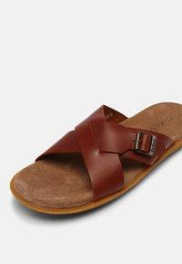 Kickers - PEPLONIUS - Mules - marron - 4