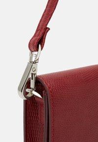 Even&Odd - Across body bag - red - 4