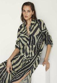Massimo Dutti - Shirt dress - khaki - 2