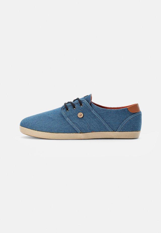 CYPRESS - Sneakersy niskie - denim bleached