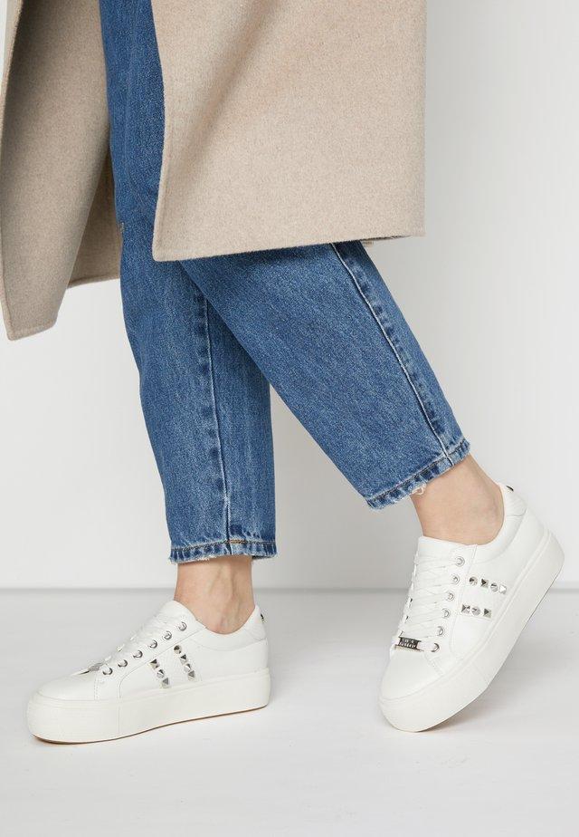 ESCALA - Sneakers laag - white
