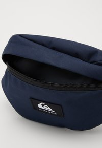 Quiksilver - PUBJUG - Bum bag - navy blazer - 2