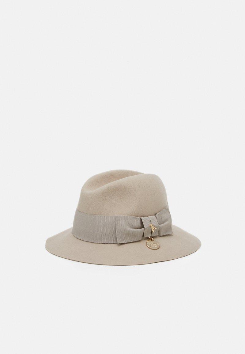 Patrizia Pepe - Hat - camel beige