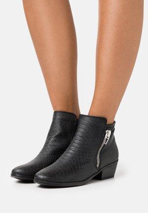 LEESA - Ankle Boot - black