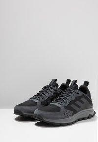adidas Performance - RESPONSE TRAIL - Løbesko trail - core black/grey six - 2