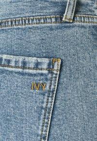 Ivy Copenhagen - FREJA BELT WASH VINTAGE CORNWALL - Relaxed fit jeans - denim blue - 2