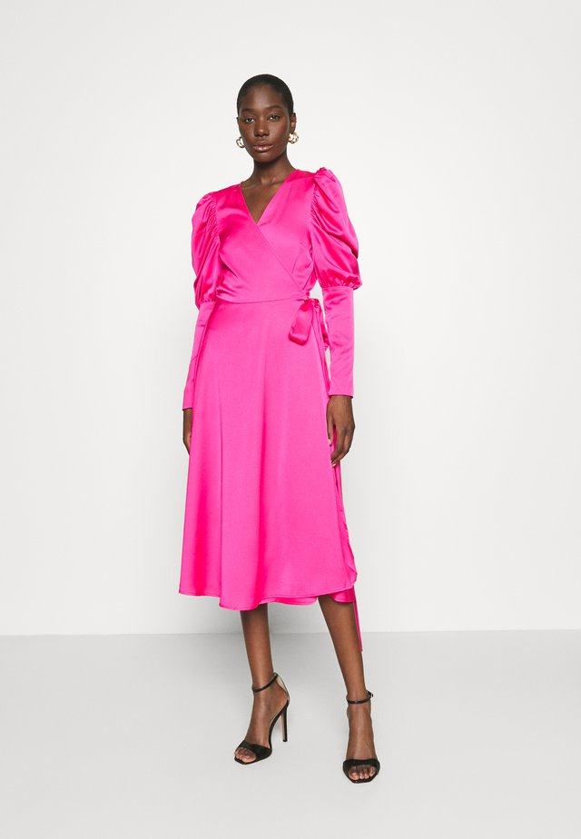 ALMACRAS WRAP DRESS - Vardagsklänning - shocking pink