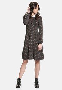 Vive Maria - SWEET ROSE SCHOOL  - Day dress - schwarz allover - 0