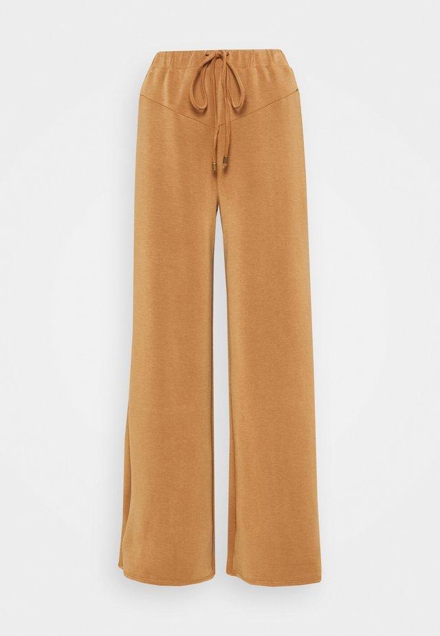 ANTOINETTE TROUSERS - Pantaloni - pecan
